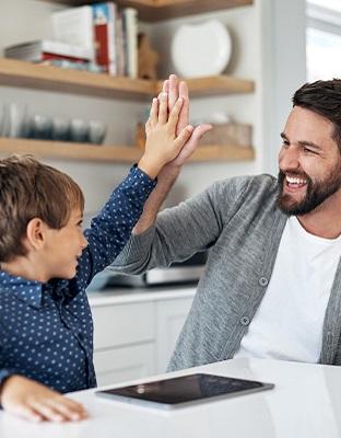 Pantallas en casa: ¿cómo crear una estrategia digital familiar?