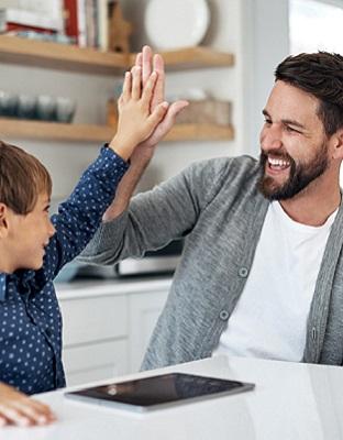 Hablar de tecnología en casa, el mejor control parental para nuestros hijos